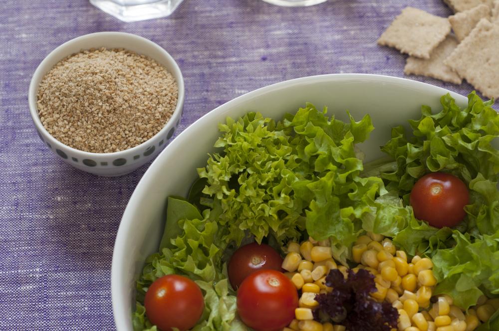 Idea per condire un'insalata con il Gomasio